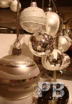 Hanging_ornaments